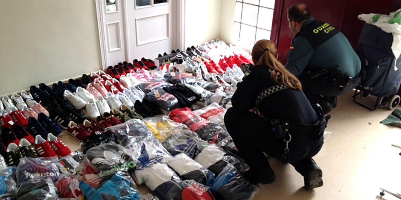 Un detenido y 239 prendas incautadas por falsificaión