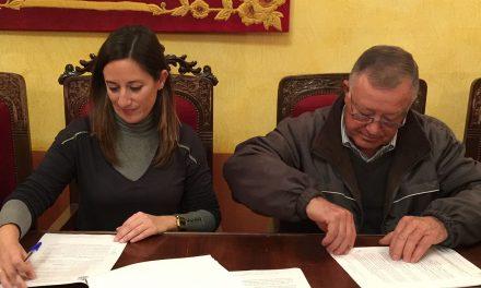 El Ayuntamiento y las cofradías de Pasión de La Carolina firman un convenio de colaboración para esta Semana Santa