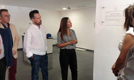 """La Carolina rinde un homenaje al pintor Juan Francisco Casas """"bautizando"""" la sala de exposiciones del Centro Cultural con su nombre"""