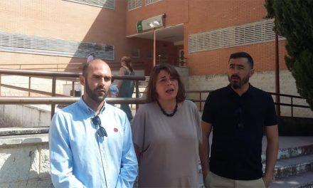 Elena Cortés , parlamentaria de IU llevará la reivindicación del CHARE al Parlamento Andaluz
