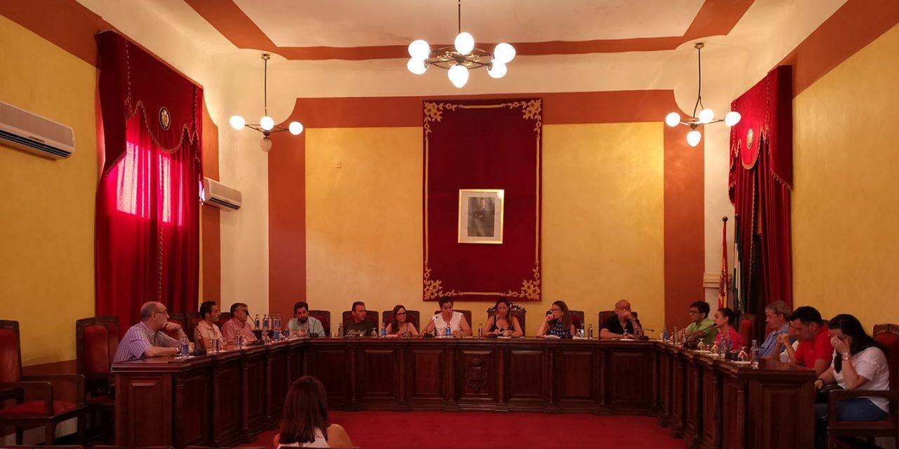 El Ayuntamiento de La Carolina aprueba inicialmente la normativa para el Plan Municipal de Vivienda y Suelo en un pleno extraordinario con el voto en contra del PP y la abstención de IU