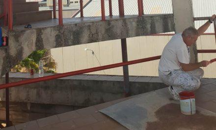 Trabajos de mantenimiento en el Parque de Bomberos de La Carolina