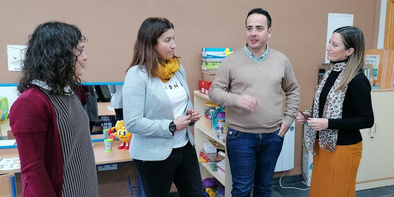 Visita municipal al colegio de Navas de Tolosa