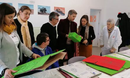 El centro ocupacional Los Andaluces diseña cien cajas para la empresa Elaia Zait IDD